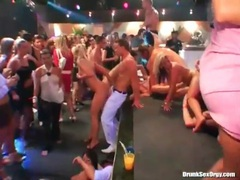 Horny dancing and cocksucking girls in a club movies at kilosex.com