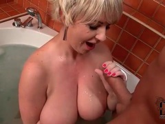 Fat chick sucks off a dick in the bathtub videos