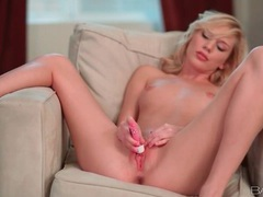 Skinny blonde buzzes her twat with a vibrator videos