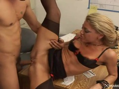 Office whore stripped to lingerie for anal sex movies at kilotop.com