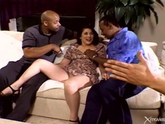Curvy wife does interracial double penetration videos
