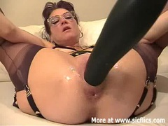 Amateur wife fisted and fucked with a giant dildo videos