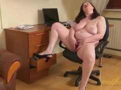 Big boobs are so sexy on this chubby mature babe movies at find-best-hardcore.com