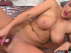 Hot european chick toying her hole videos