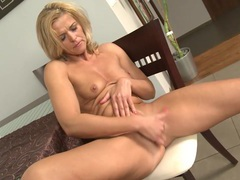 Finger blasting makes a solo mom a happy girl movies at find-best-babes.com