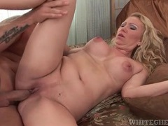 Creampie cumshot launched into shaved milf pussy videos