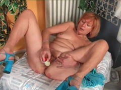 Curvy mature masturbates with her dildo movies at find-best-babes.com