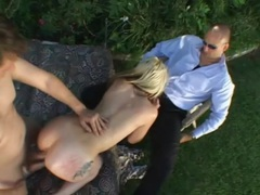 Wife screwed outdoors as she blows hubby videos