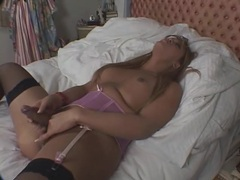 Toy up the ass of curvy masturbating shemale videos
