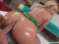 Ass coated in oil and looking hot in fuck video videos