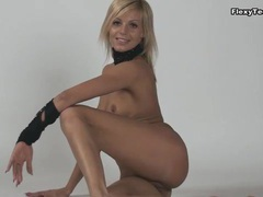 Her flexible body and sweet smile are sexy movies at kilopills.com