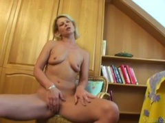 Cute naked milf gives pussy joy with toy videos
