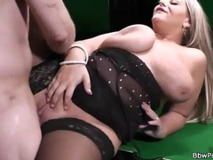 Sexy lingerie on a bbw banging hardcore movies at kilotop.com