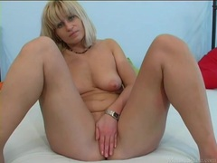 Cute milf sucks slowly on his big cock videos