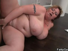 Sensual kissing with bbw that gets fucked clip