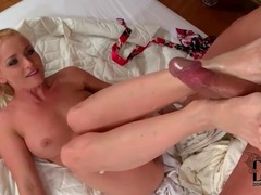Sucking sexy toes turns him on to fuck pussy videos