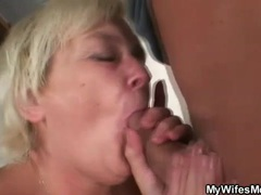 Fat old lady gives the wet pussy videos