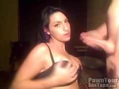 Sexy tattooed amateur gives really good head movies at kilosex.com
