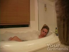 Hidden cam of amateur masturbating in bathtub movies at freekiloporn.com
