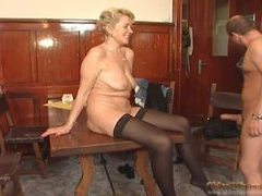 Cocksucker in stockings laid in the mature pussy clip