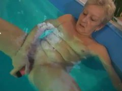 Grandma solo dildo sex in the pool videos