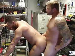 Horny muscle hunk colby jansen pounds rod pedersons hot ass movies