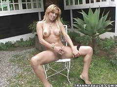 Blonde shemale hottie jerking off while outdoors movies at freekiloporn.com