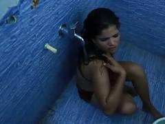 Hot bhabhi ka bathroom romance movies at kilovideos.com
