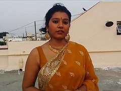 Sexy bhabhi wearing saree videos