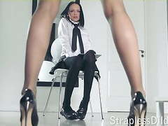 A long legged teacher gets feeldoe pounding movies at freekilosex.com