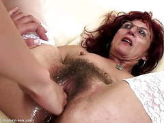Deep fisting for sexy mature mom's hairy pussy videos