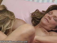 Milf eats cougars pussy to squirt videos