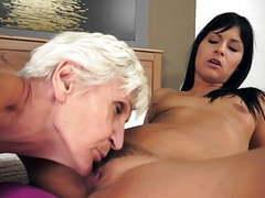 Moms sucking pussy movies at freekiloclips.com