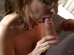 Mature sexbomb mother fucks young boy like crazy tubes