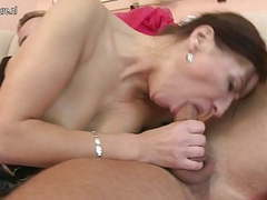 Hot mature mom fucked by her young boy tubes