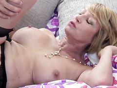 Mature slut mom suck and fuck young guy videos