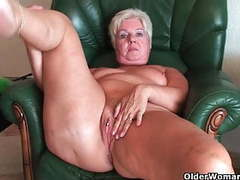 Bubble butt granny sandie spreads old pussy (compilation) movies at adipics.com