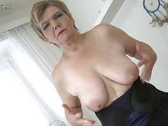 Sexy old granny playing with her old cunt movies