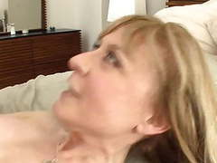 Busty cougar seduces in stockings and a garter movies at kilogirls.com