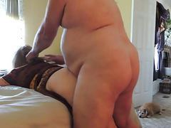 Fat guy gives it to her tubes
