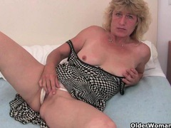 Granny in heat fucks herself with a dildo videos