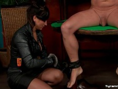 Bound man takes a whipping on the ass videos