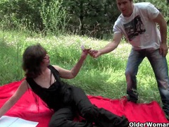 Granny gets her asshole invaded outdoors videos