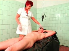 Mature nurse in gloves fingers his asshole videos