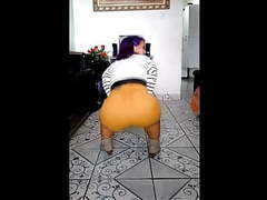 Bubble butt brazilian midget twerks big booty movies at freekilosex.com