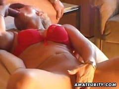 Amateur milf masturbates, sucks and fucks with cumshot movies at freekiloclips.com