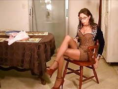 Shemale vennessa in pantyhose 2 movies at kilosex.com