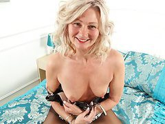 English milf ellen doesn't wear knickers today movies at freekiloporn.com
