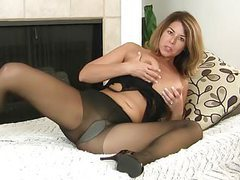 Milf niki will whet your appetite for her pantyhosed pussy movies at reflexxx.net