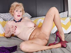 American gilf sindee dix gets horny in pantyhose movies at freelingerie.us